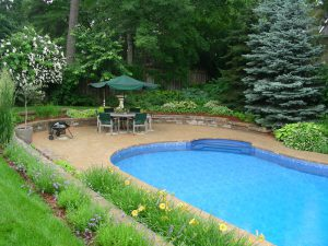 Pool Landscaping Stone Retaining Wall