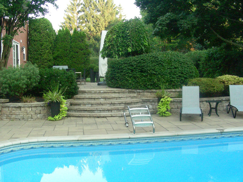 pool coping landscaping reataining wall